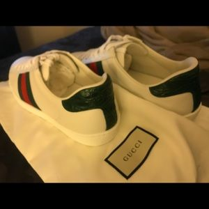 Brand new never worn Gucci ACE leather sneakers